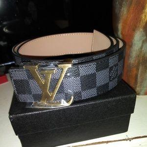 Louis Vuitton belt black and grey